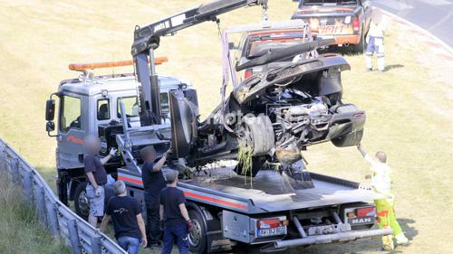 Koenigsegg One:1 giá 2 triệu đô tan tành tại Nürburgring - 12