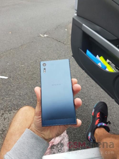 Điện thoại cao cấp Sony Xperia F8331 bị lộ ảnh - 2