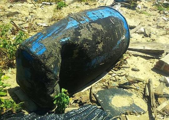 Phát hiện hàng trăm tấn rác nghi của Formosa trong trang trại - 1