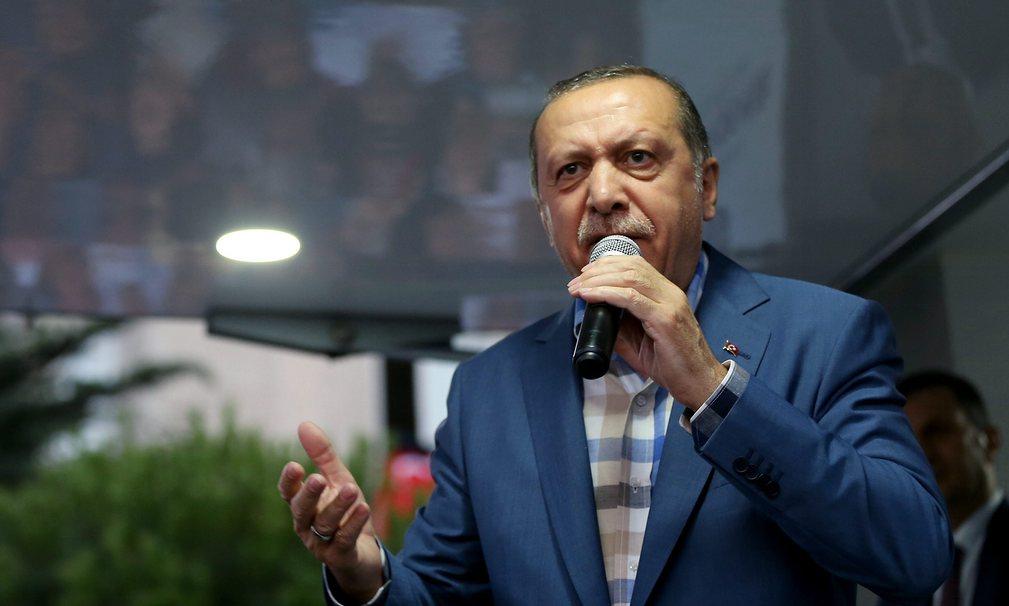 Câu nói giúp máy bay Tổng thống Thổ khỏi bị bắn tan - 4