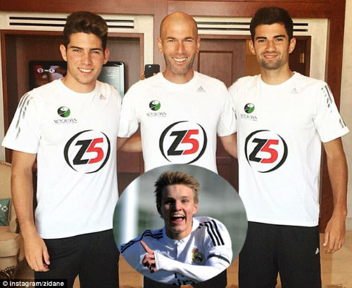 """Real: Zidane trên đường trở thành """"độc tài"""" - 1"""