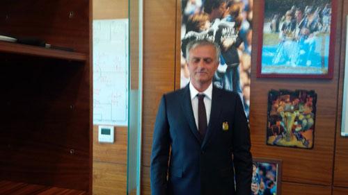 Xuất quân đi Trung Quốc, Mourinho lộ kế hoạch về Pogba - 1
