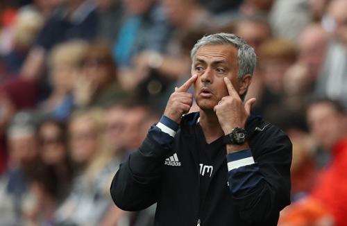 MU thời Mourinho: Bóng đá đẹp kiểu thắng 1-0 - 1