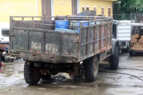 Ô tô tải thiếu bánh sau tông chết thiếu úy công an - 1