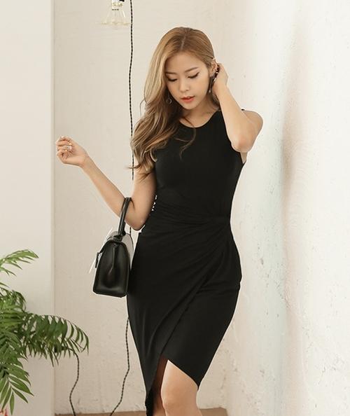 Ai bảo mặc váy đen nhanh chán, hãy xem lại! - 3