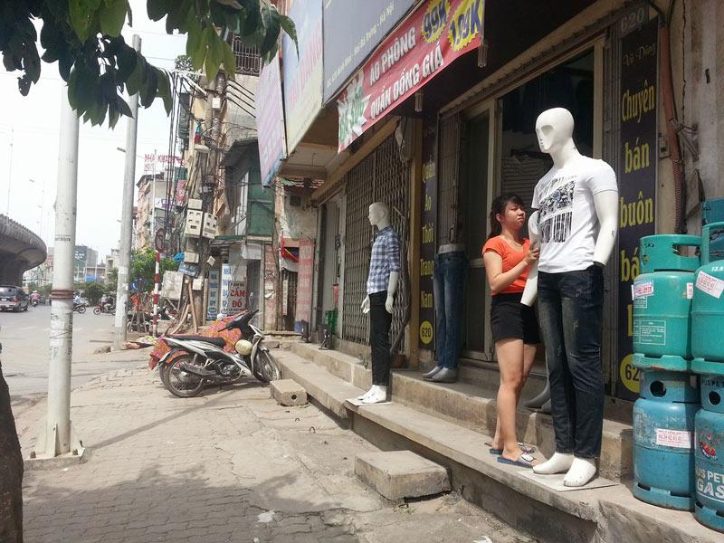 Cô gái bị người yêu đánh đến bất tỉnh giữa đường - 2