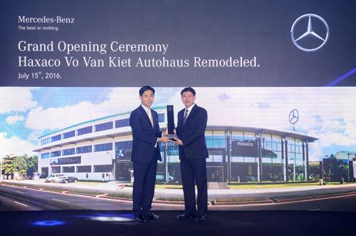 Mercedes-Benz Việt Nam nâng cấp đại lý Haxaco Võ Văn Kiệt - 1