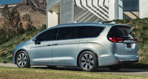 Top 10 xế minivan mới giá dưới 670 triệu đồng - 1