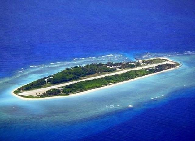 Nghị sĩ Đài Loan đổ bộ trái phép lên đảo Ba Bình - 2