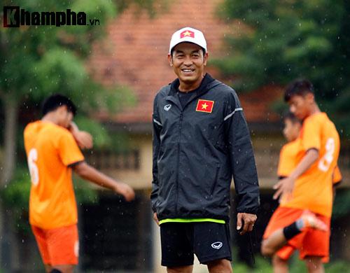 """U16 Việt Nam """"luyện công"""" dưới mưa chờ đấu bán kết - 5"""