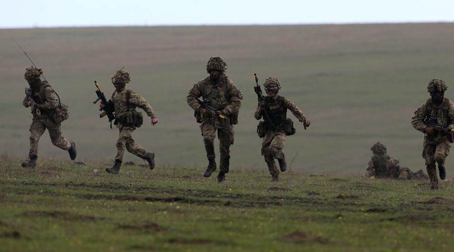 Tập luyện trong ngày nóng nhất năm, lính Anh thiệt mạng - 3