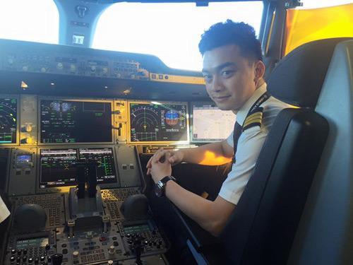 Bất ngờ cậu bé đóng nhiều phim nhất VN giờ là phi công - 3