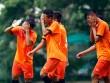 """U16 Việt Nam """"luyện công"""" dưới mưa chờ đấu bán kết"""