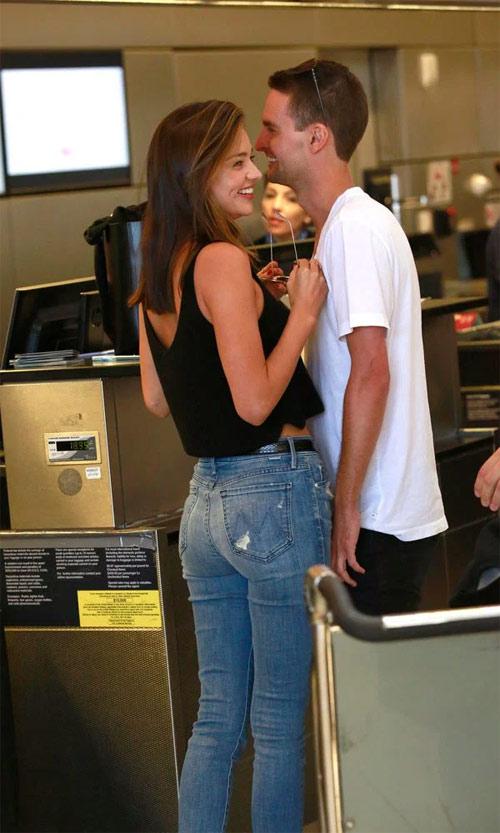 Miranda Kerr nhận lời cầu hôn tỷ phú trẻ nhất thế giới - 4