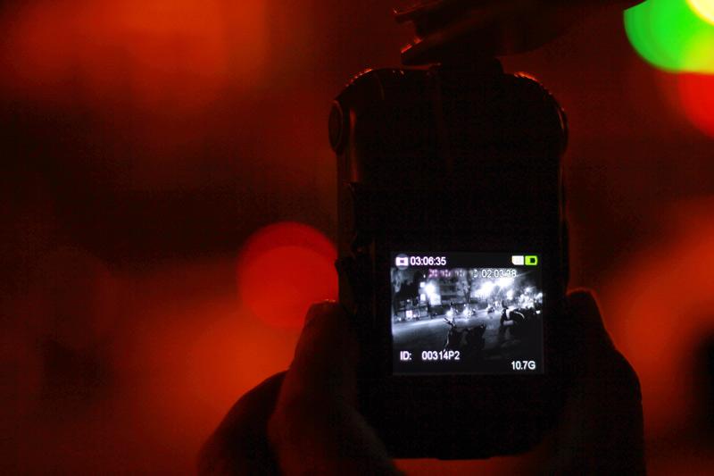 141 đeo camera giám sát, người vi phạm vui vẻ nộp phạt - 5