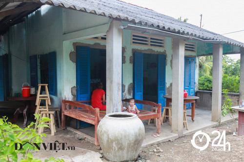 Nhà đơn sơ ở quê của Hồ Văn Cường - 12