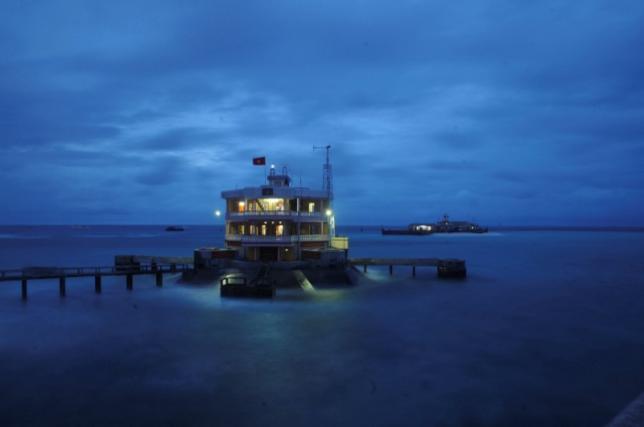 TQ trắng trợn đòi đưa nhiều tàu du lịch ra Biển Đông - 1