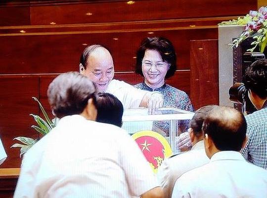 """""""Chốt"""" danh sách bỏ phiếu kín bầu Chủ tịch, Phó Chủ tịch QH - 2"""