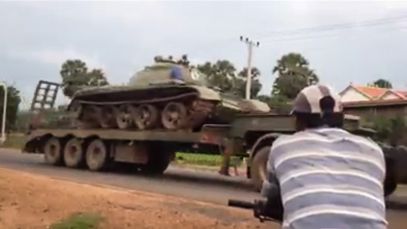 Campuchia: Di chuyển xe tăng, truy kẻ âm mưu đảo chính - 4