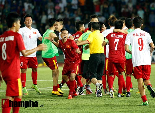 Thiếu nữ Campuchia khóc như mưa vì U16 Việt Nam - 8