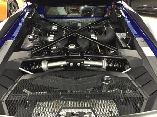 """Ngắm Lamborghini Aventador LP 700-4 màu """"kịch độc"""" tại Việt Nam - 10"""