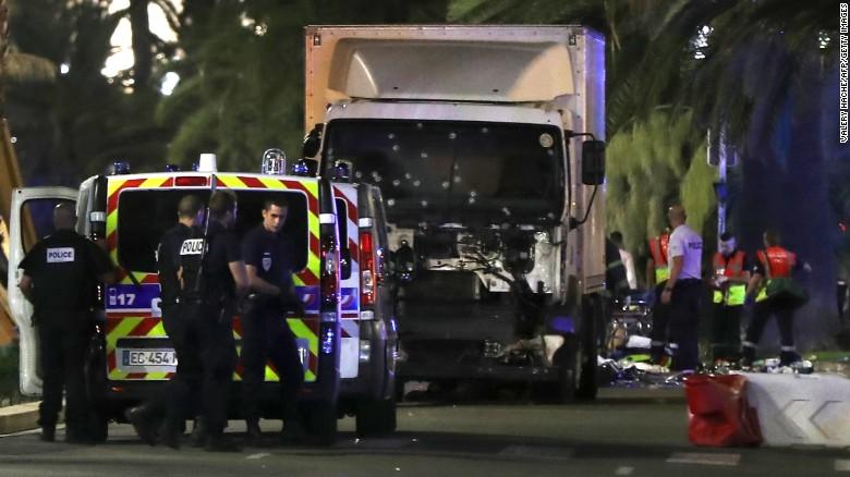 Pháp: Kẻ lái xe tải lao vào đám đông lên kế hoạch từ 2015 - 2