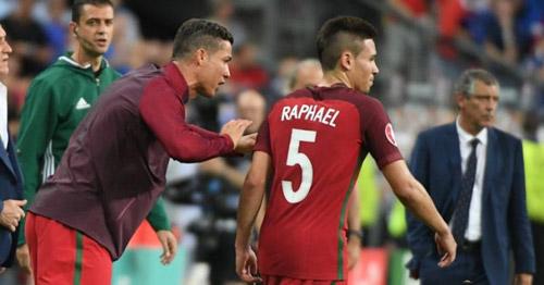 Thực hư chuyện Ronaldo ra lệnh cho đồng đội - 5