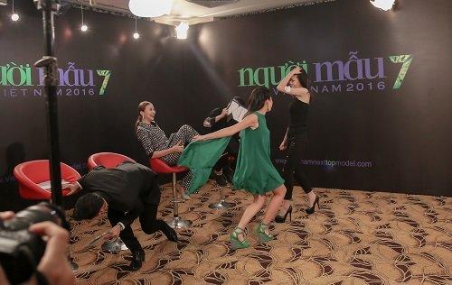 """Phát ngôn """"bá đạo"""" của 4 giám khảo Vietnam's Next Top - 15"""