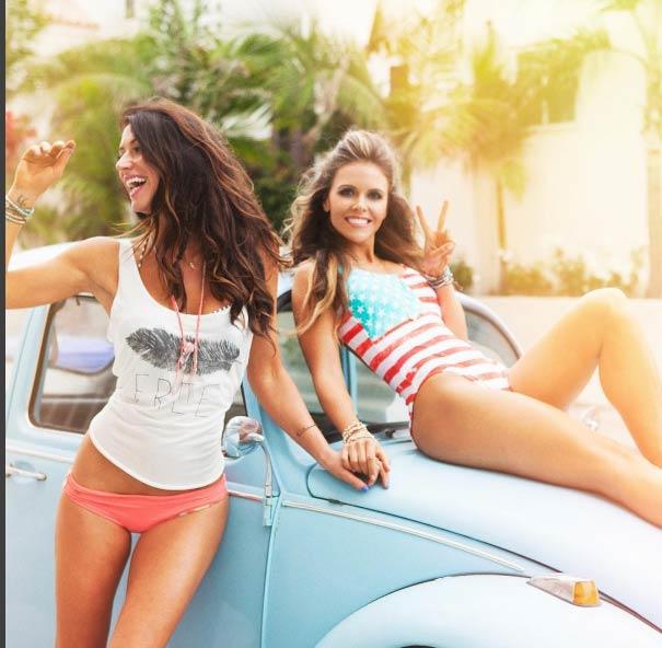Cách để mặc bikini cực đẹp của cặp mỹ nhân phòng gym - 19