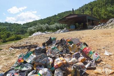 Cận cảnh nhà máy xử lý rác thải Formosa khiến dân phải bỏ đi - 11