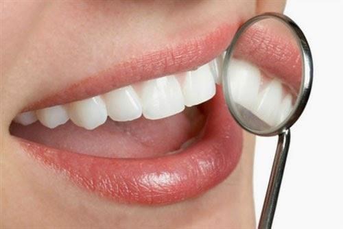 Chảy máu chân răng: Cảnh báo nhiều căn bệnh nguy hiểm - 2