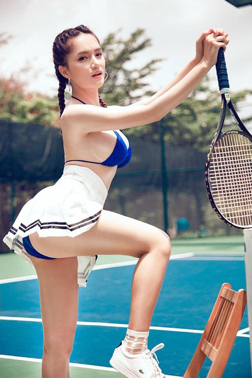 Hương Giang Idol trễ nải vòng 1 bên các hotgirl Kangnam - 2