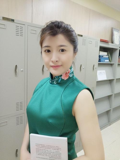 Nữ bác sỹ TQ có gương mặt đẹp như hot girl - 3