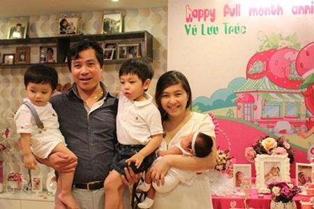 Cuộc sống 8 năm sinh 4 con của cựu MC thời tiết VTV - 7
