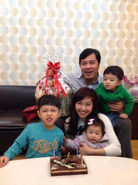 Cuộc sống 8 năm sinh 4 con của cựu MC thời tiết VTV - 8