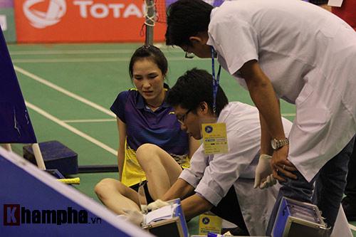 Bạn gái Tiến Minh khóc vì chấn thương, lo ngại Olympic - 1