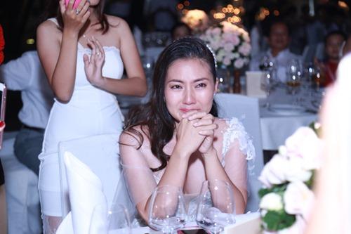Ngọc Lan - Thanh Bình hôn nhau say đắm trong tiệc đính hôn - 7