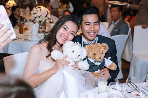Ngọc Lan - Thanh Bình hôn nhau say đắm trong tiệc đính hôn - 9