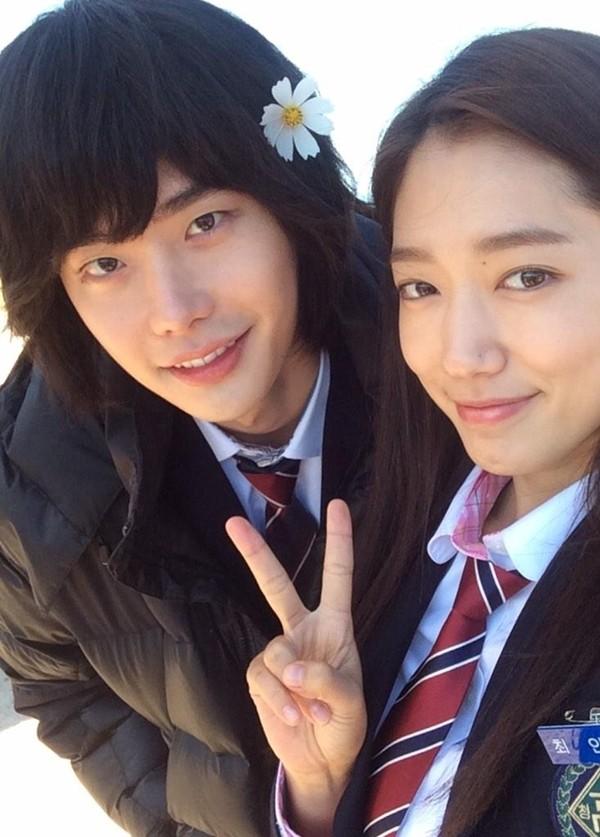 """Lee Min Ho """"lên đời"""" nhờ đóng cặp với Park Shin Hye - 3"""