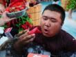 Nhăn mặt với cuộc thi ăn ớt trong thùng nước đá