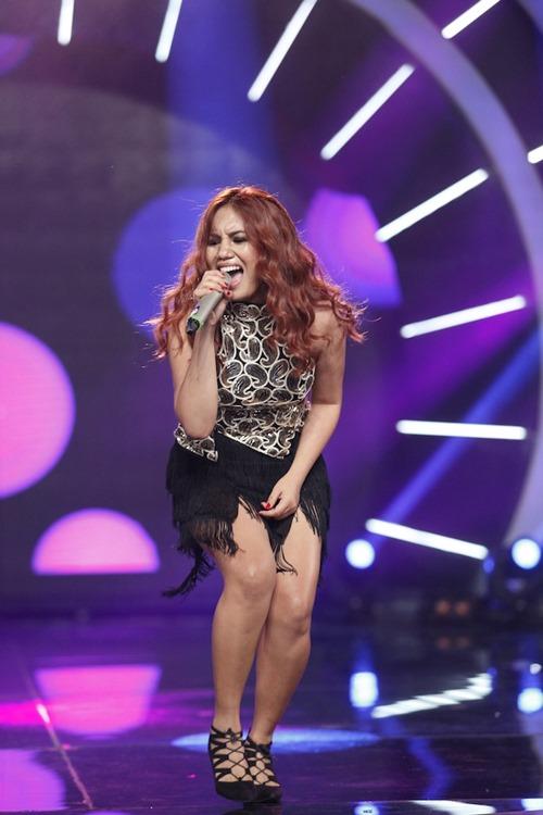 Cô gái xinh đẹp dân tộc Ba Na bị loại khỏi Vietnam Idol - 4
