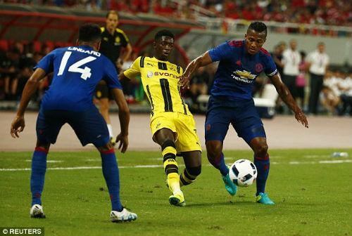 MU - Mourinho thua đậm: Những lỗ hổng đầu tiên - 1