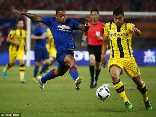 MU - Mourinho thua đậm: Những lỗ hổng đầu tiên - 2