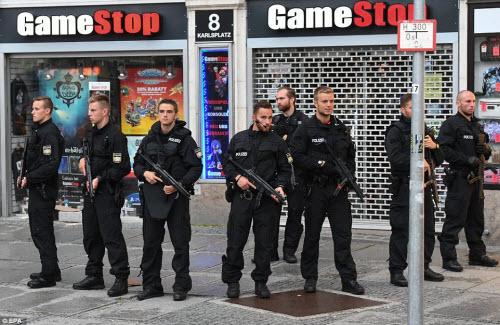 Ảnh hiện trường xả súng khiến 10 người chết ở Đức - 5