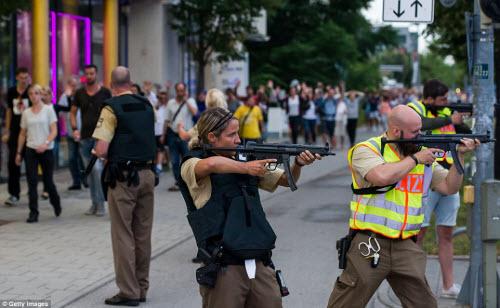 Ảnh hiện trường xả súng khiến 10 người chết ở Đức - 6