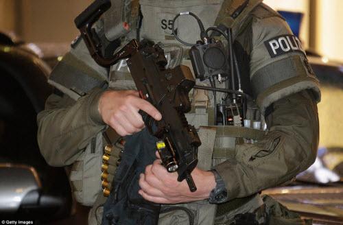 Ảnh hiện trường xả súng khiến 10 người chết ở Đức - 15