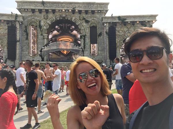 Slim V và bạn gái dự lễ hội âm nhạc EDM lớn nhất thế giới - 3