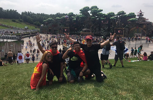 Slim V và bạn gái dự lễ hội âm nhạc EDM lớn nhất thế giới - 4