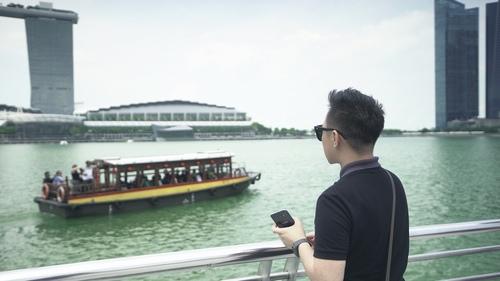 Trung Quân Idol dùng xe bồn 100 lít để tạo mưa trong MV - 2