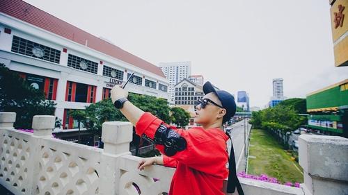 Trung Quân Idol dùng xe bồn 100 lít để tạo mưa trong MV - 1